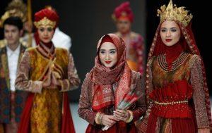 Dian Pelangi 300x189 - Perkembangan Hijab Dari Sebagai Indentitas Sampai Menjadi Trend Fashion