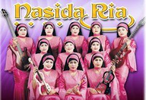 Model Nasida Ria 300x206 - Perkembangan Hijab Dari Sebagai Indentitas Sampai Menjadi Trend Fashion
