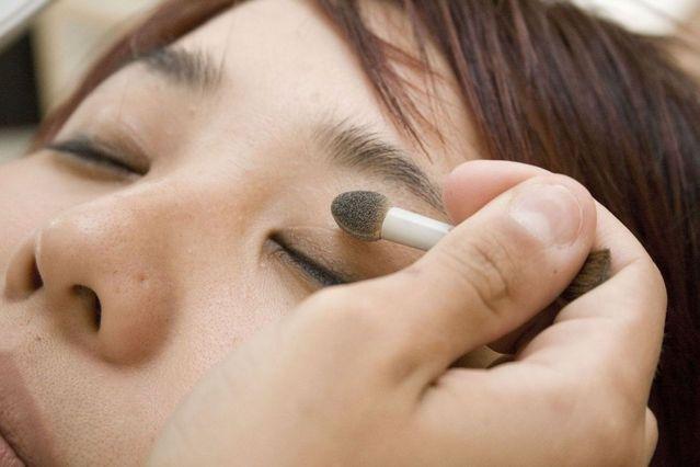 makeup 3 1429003 639x426 - Perkembangan Dunia Makeup Dari Masa Ke Masa Hingga Sampai Saat Ini