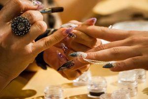 Nail Art Seni Mewarnai Kuku  300x201 - Nail Art, Seni Mewarnai Kuku yang Indah