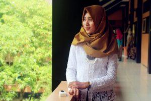 Trend Hijab Anak Sekolah 300x200 - Trend Hijab Anak Sekolah Yang Pas Sesuai Kegiatan Kamu