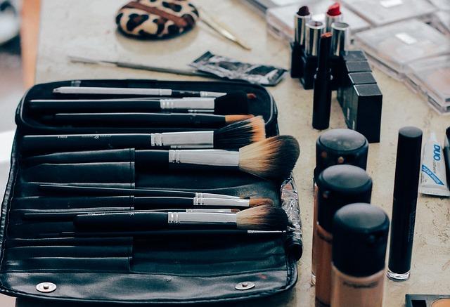 kosmetik untuk perawatan wajah - 6 Cara Memilih Kosmetik Untuk Perawatan Wajah