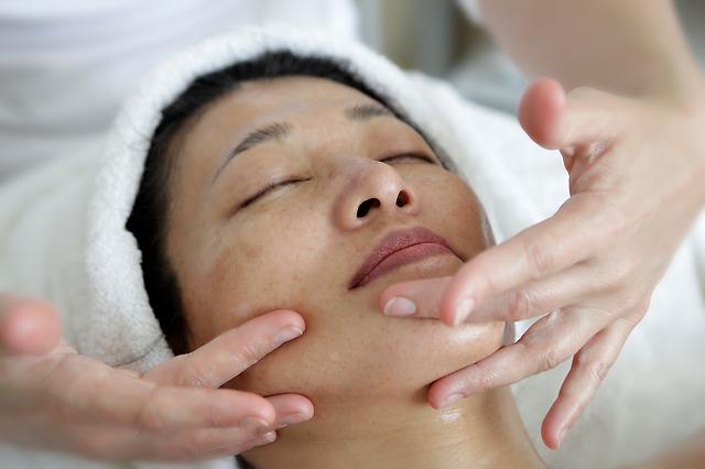 Cara Melakukan Perawatan Wajah Untuk Kulit Berminyak - 6 Cara Melakukan Perawatan Wajah Untuk Kulit Berminyak Dengan Alami