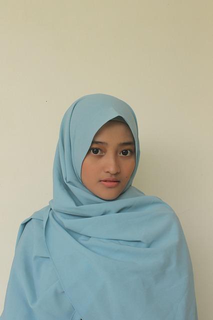 Memakai Hijab Syar'i Ke Kantor