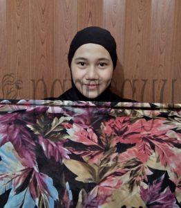 Langkah 1 262x300 - Foto Tutorial Hijab Paris Segi4 Lengkap Dengan Cara Penggunaanya