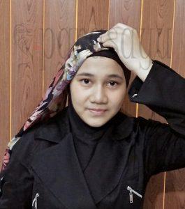 Langkah 2 265x300 - Foto Tutorial Hijab Paris Segi4 Lengkap Dengan Cara Penggunaanya