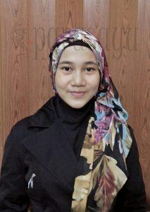 Langkah 6 Hasil 213x300 - Foto Tutorial Hijab Paris Segi4 Lengkap Dengan Cara Penggunaanya