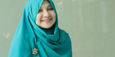 Trend Hijab Untuk Orang Gemuk 400x200 - 7 Fashion Trend Hijab Untuk Orang Gemuk