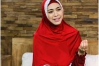 Yuk Ikutin Tutorial Hijab Oki Setiana Dewi Yang Mudah Ini