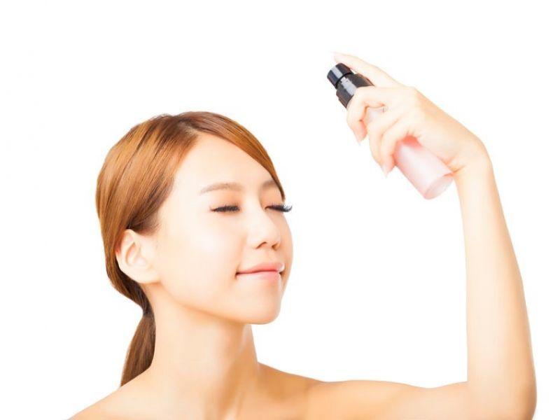 7 - Tips Agar Makeup Tahan Lama Mesti Kerja di Luar Ruangan
