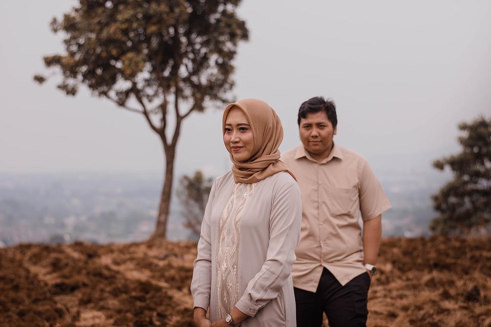 Tutorial Hijab Segi Empat Simpel Tanpa Ciput