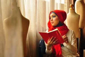 Jenahara Nasution 300x200 - Perkembangan Hijab Dari Sebagai Indentitas Sampai Menjadi Trend Fashion