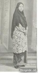 Rahmah El Yunusiyyah 156x300 - Perkembangan Hijab Dari Sebagai Indentitas Sampai Menjadi Trend Fashion