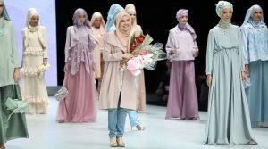 Ria Miranda 300x167 - Perkembangan Hijab Dari Sebagai Indentitas Sampai Menjadi Trend Fashion