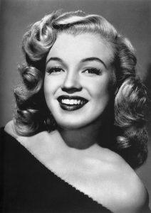 Marilyn Monroe 212x300 - Ini Dia Tren bentuk Alis Dari Masa Ke Masa Yang Harus Kamu Ketahui