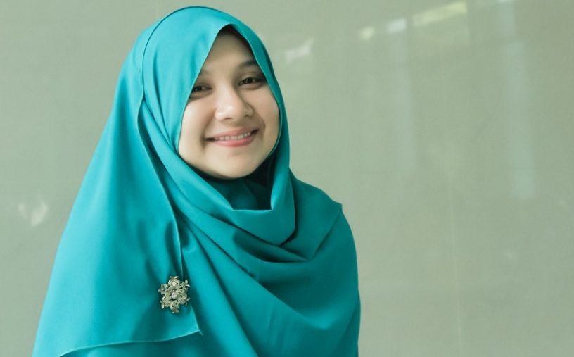 Trend Hijab Untuk Orang Gemuk 816x507 - 7 Fashion Trend Hijab Untuk Orang Gemuk
