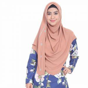 4 1 300x300 - Bosan Dengan Model Hijab Itu-itu Saja? Yuk Ikuti Cara Hijab Oki Setiana Dewi Ini