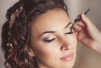 Makeup Natural Elegan