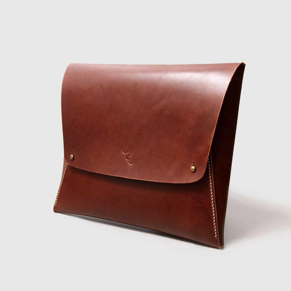 1. Clutch Bag - Ke Kampus? Pilih Nih 10 Tas Kuliah Wanita Model Baru yang Murah