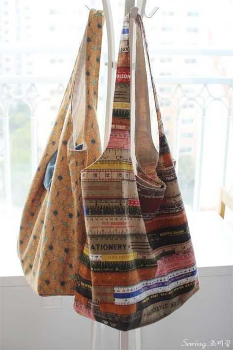 4. Hobo Bag - Ke Kampus? Pilih Nih 10 Tas Kuliah Wanita Model Baru yang Murah