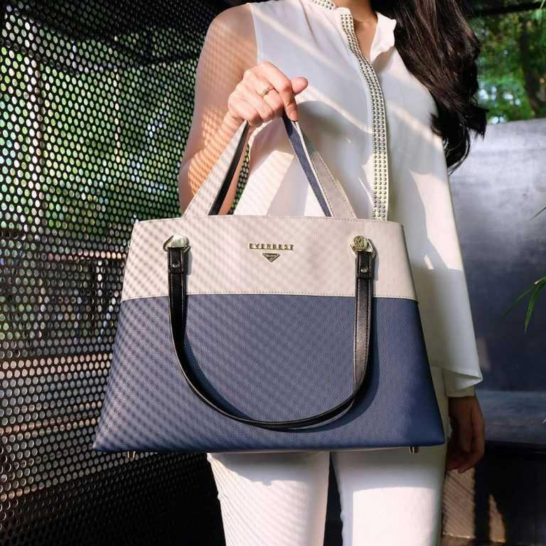 9. Hand Bag from Ig - Ke Kampus? Pilih Nih 10 Tas Kuliah Wanita Model Baru yang Murah