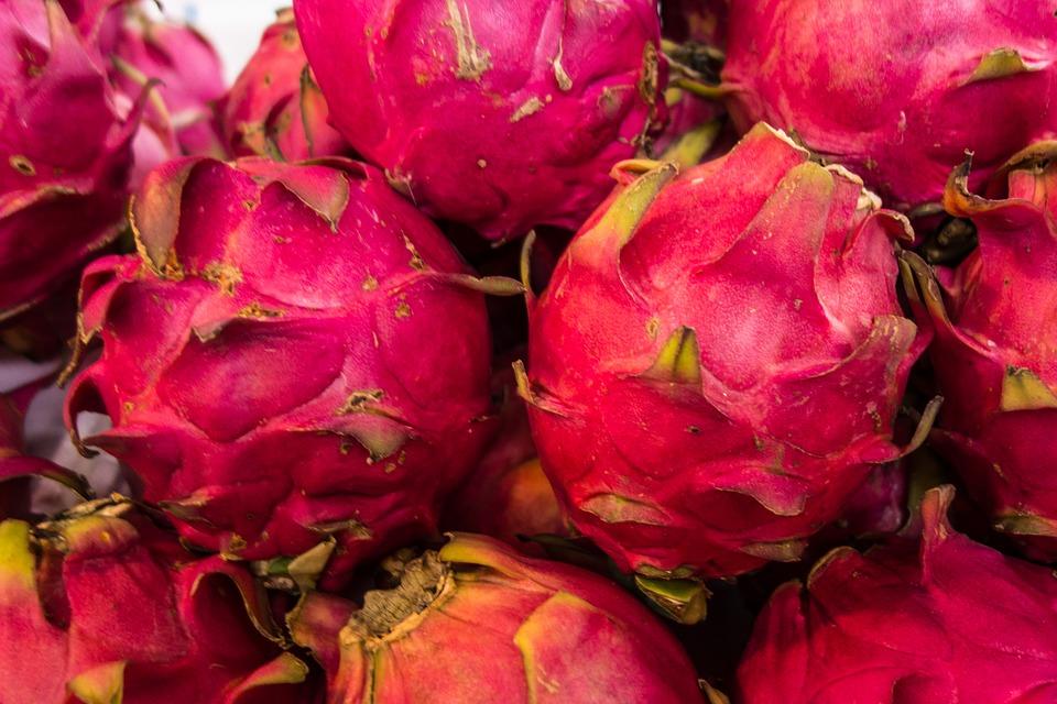 1. manfaat buah naga untuk kecantikan - 10 Manfaat Buah Naga untuk Kecantikan, Termasuk Mencegah Penuaan Dini