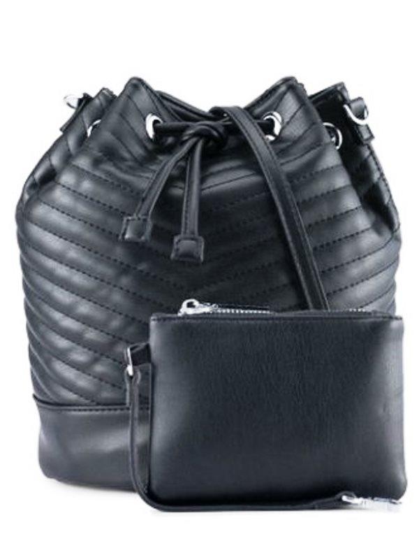 3. Tas Serut atau Bucket - 10 Model Tas Wanita yang Lagi Trend Untuk Hangout