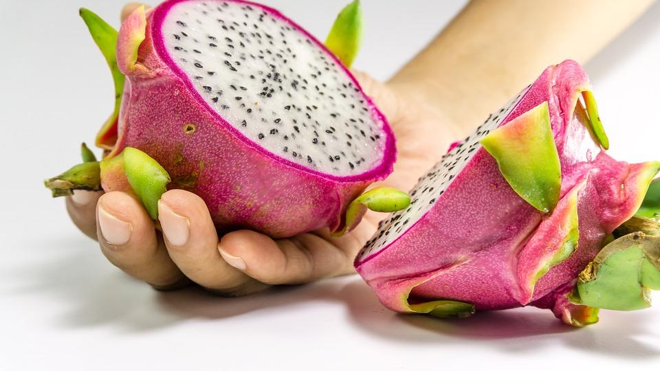 3. manfaat buah naga untuk kecantikan - 10 Manfaat Buah Naga untuk Kecantikan, Termasuk Mencegah Penuaan Dini