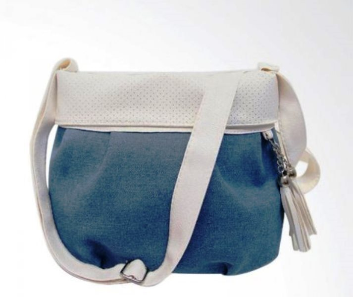 6. Messenger Bag - 10 Model Tas Wanita yang Lagi Trend Untuk Hangout