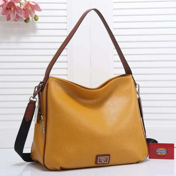 7. Hobo Bag - 10 Model Tas Wanita yang Lagi Trend Untuk Hangout