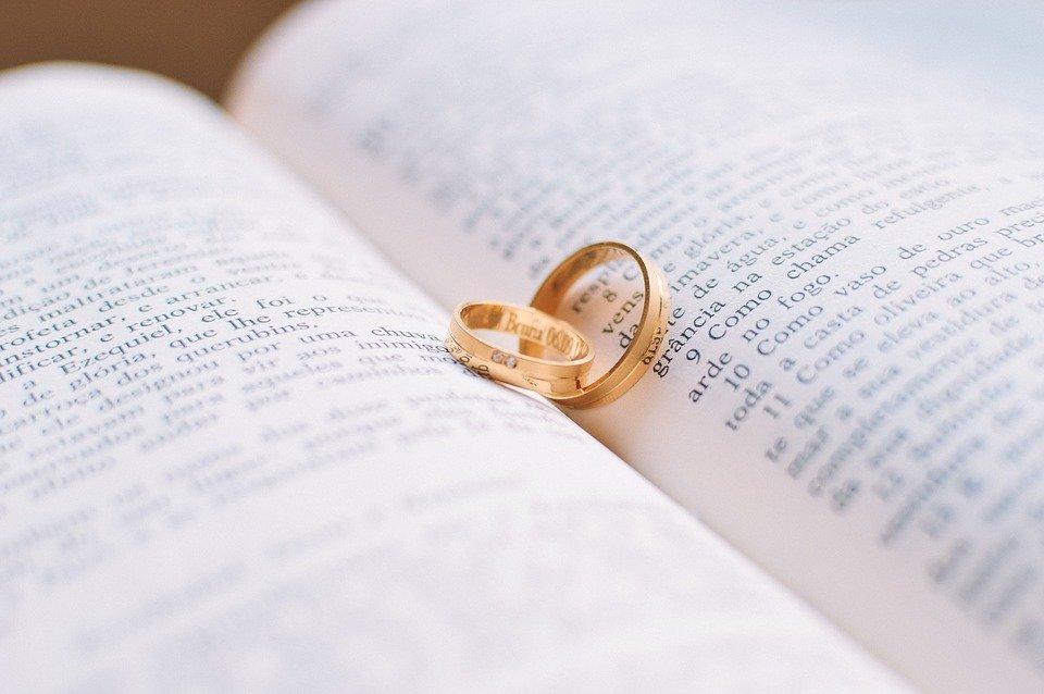 3 5 - Bukan Hanya Soal Harga, Ini 7 Tips Memilih Cincin Pernikahan Yang Tepat