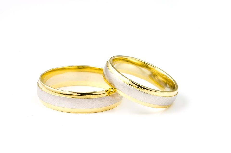 6 5 - Bukan Hanya Soal Harga, Ini 7 Tips Memilih Cincin Pernikahan Yang Tepat