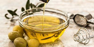 Rahasia Manfaat Minyak Zaitun Bagi Kecantikan 400x200 - Cantik, Udah Tahu Belum 7 Rahasia Manfaat Minyak Zaitun Bagi Kecantikan?