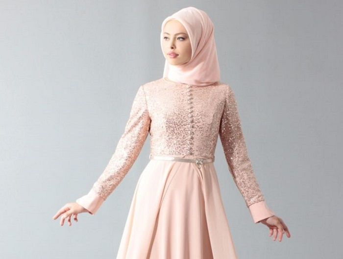 1. Model Hijab untuk Sehari Hari - 5 Tutorial Hijab untuk Pesta yang Simple, Kamu Wajib Coba!
