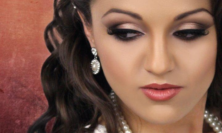 2 - Tutorial Make Up untuk Acara Pernikahan Lengkap dengan Gambarnya