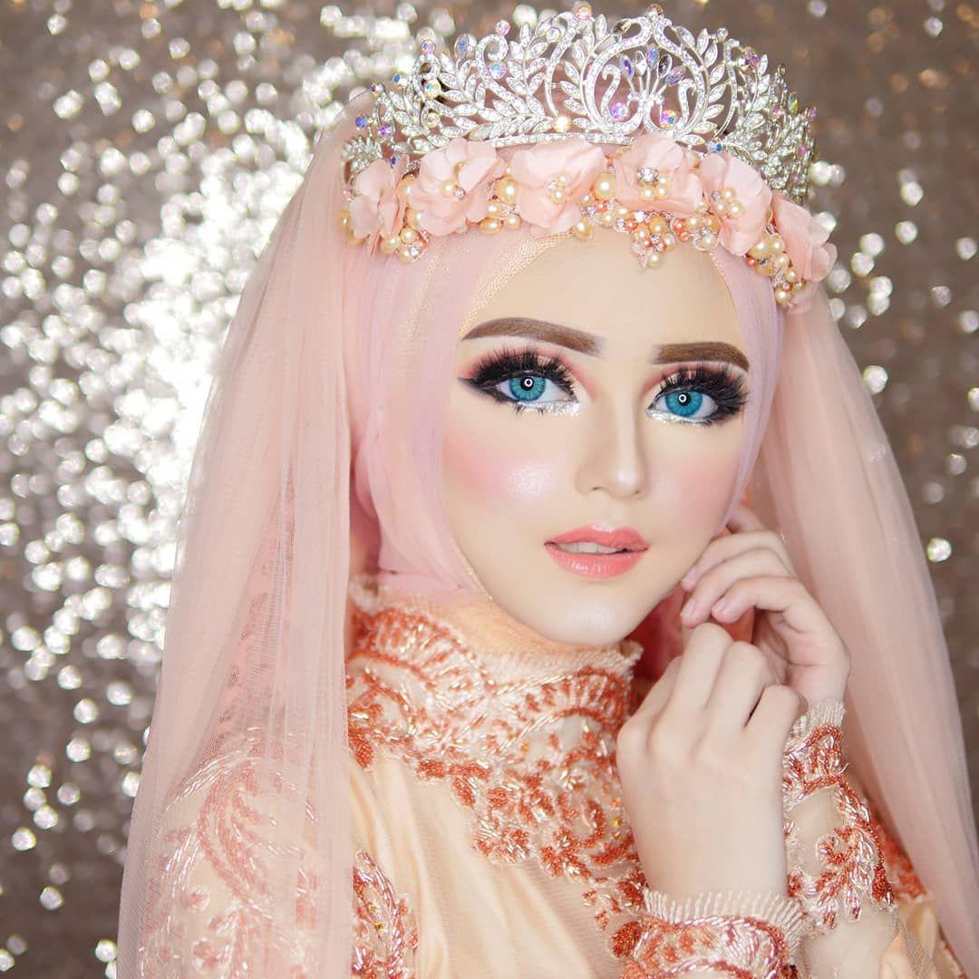 3. Make up ala Barbie - 5 Inspirasi Make Up Pernikahan Muslimah, Dijamin Menawan Nan Syar'i