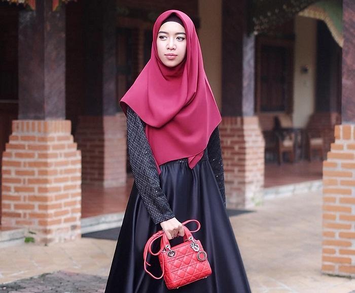 4. Hijab Syar'i Tidak Masalah Kok - 5 Tutorial Hijab untuk Pesta yang Simple, Kamu Wajib Coba!